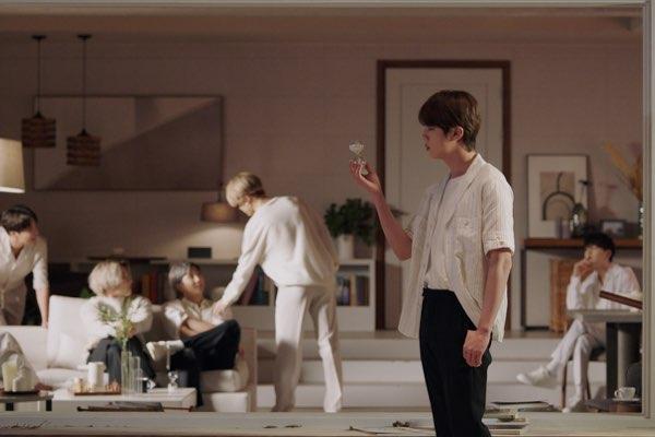 BTS (防弹少年团) – Film out [iTunes官方MV – HD1080P]