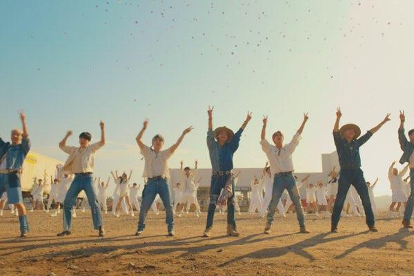 BTS (防弹少年团) – Permission to Dance [iTunes官方MV – HD1080P]