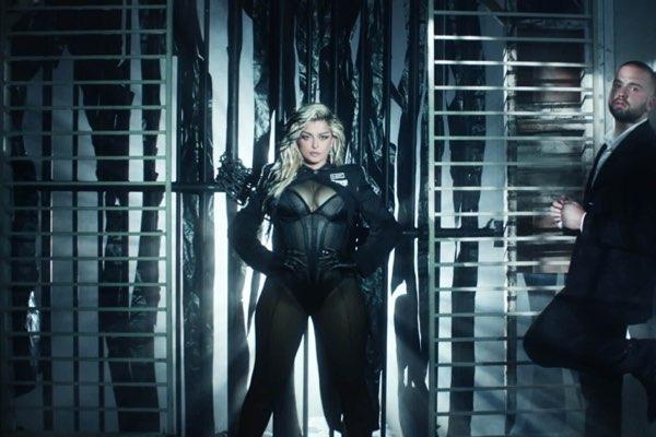 Topic & Bebe Rexha – Chain My Heart [iTunes官方MV – HD1080P]