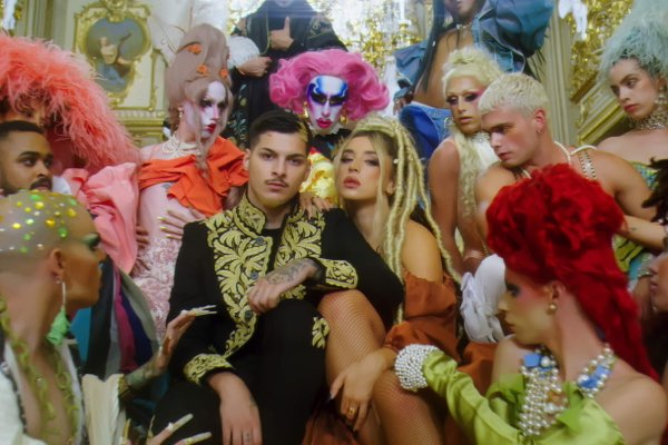 Lola Índigo & Rvfv – Romeo Y Julieta [iTunes官方MV – HD1080P]